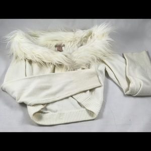 Forever 21 Sweaters - L Forever 21 Fur collar White crop cardigan